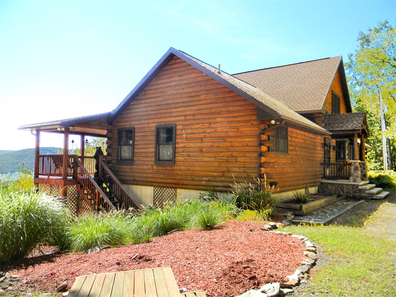 Log home builders log cabins timber frame home builders for Pocono home builders