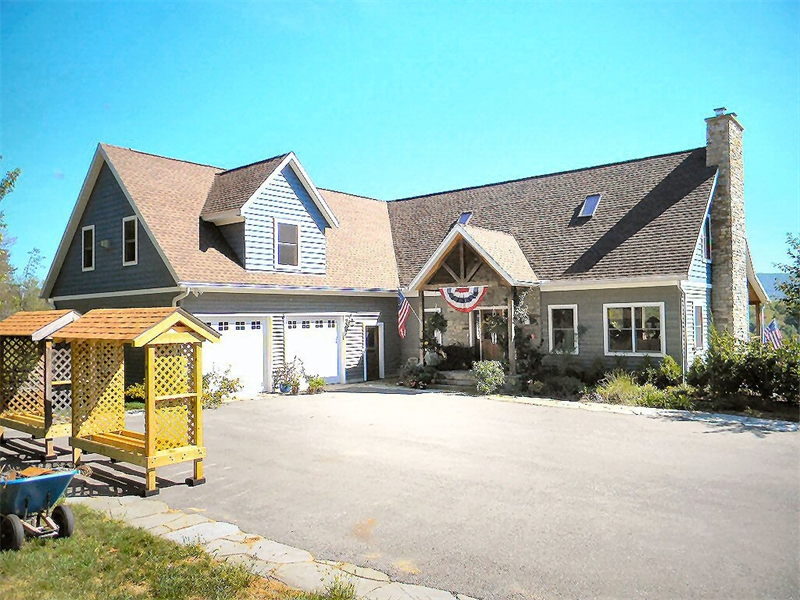 Luxury custom home builder serving lehigh valley poconos for Pocono home builders
