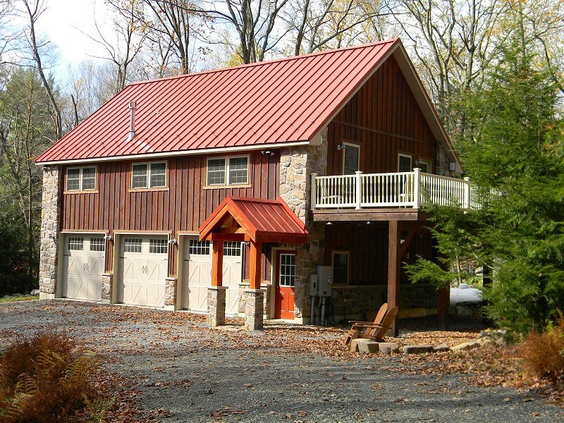 Custom home builder home over garage construction serving for Pocono home builders